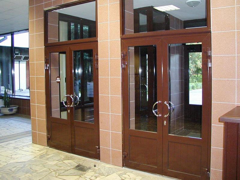 двери для входной группы