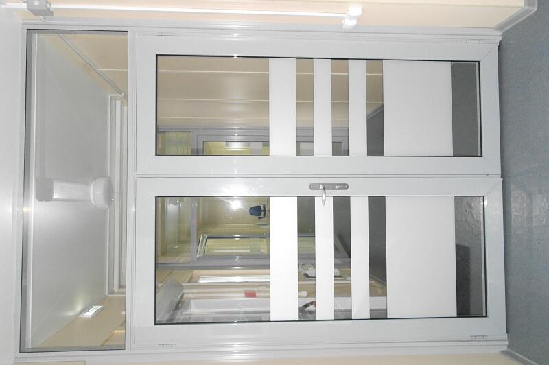 Стеклянные двери модель 11